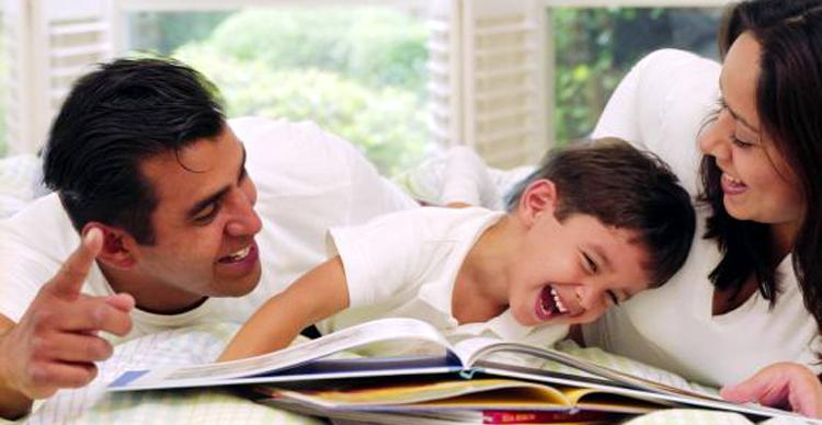 A leitura na infância, uma forma de incentivar a imaginação, e aproximar pais e filhos