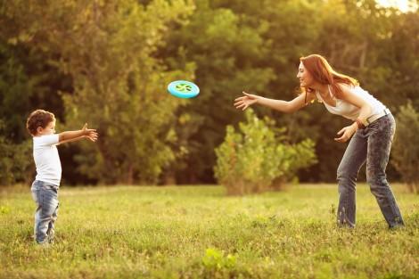 Filhos: benefícios de brincadeiras ao ar livre